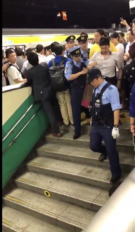 平井駅で痴漢冤罪事件!警察は強制執行も完全におかしい??
